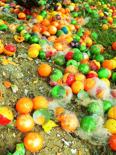 450px-Paintballs