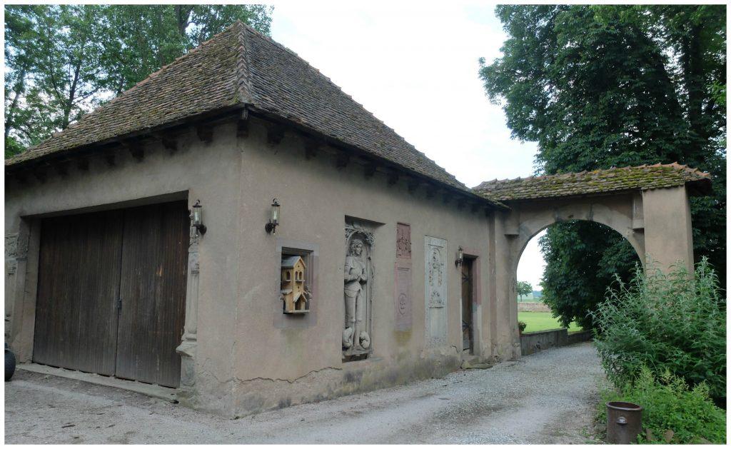 des vestiges du château rénovés