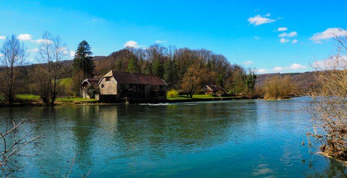 Randonnée du grand méandre et du château de Charencey
